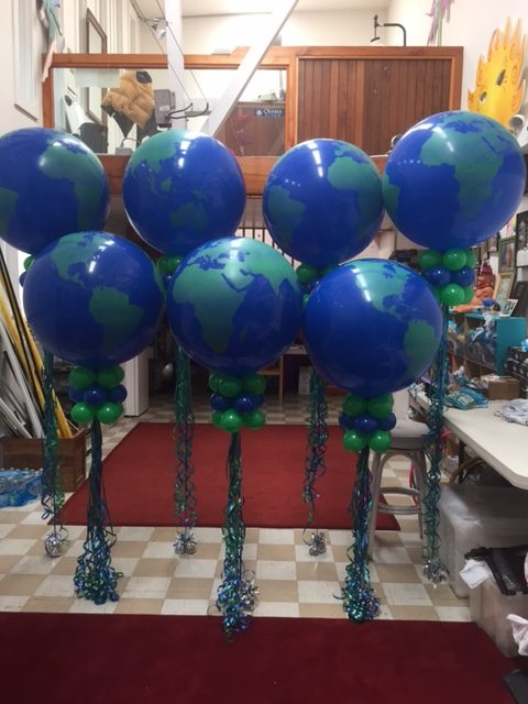 3′ Balloon and Marker Decor